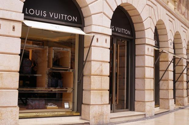luxury-1487548_960_720