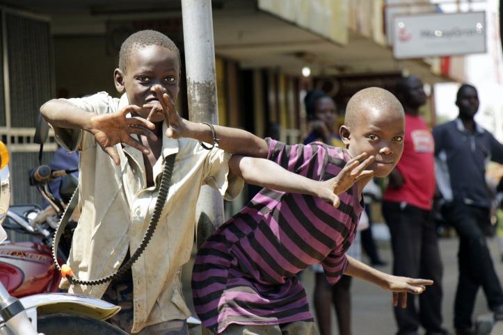 people-of-uganda-2379954_1920