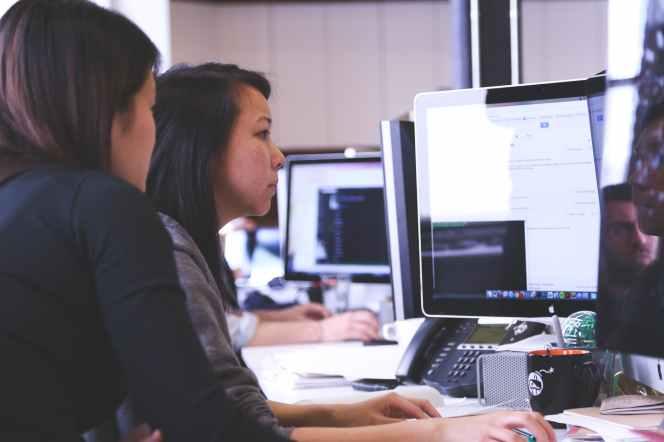 working woman technology computer